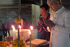 ศาลพระภูมิทรงลพบุรีใหญ่ ศาลเจ้าที่สามมุขใหญ่